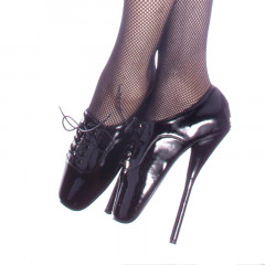 Make your dreams come true with these amazingly sexy ballet shoes.